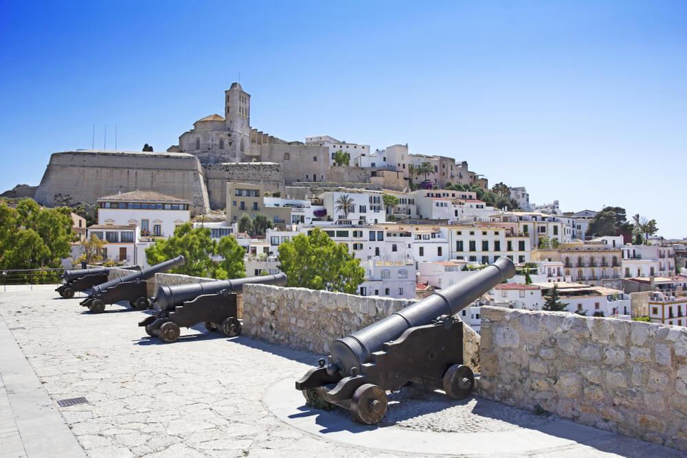Burg Ibiza - Kanonen
