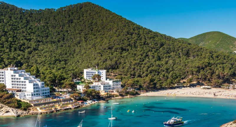 Cala Llonga Ibiza Strand
